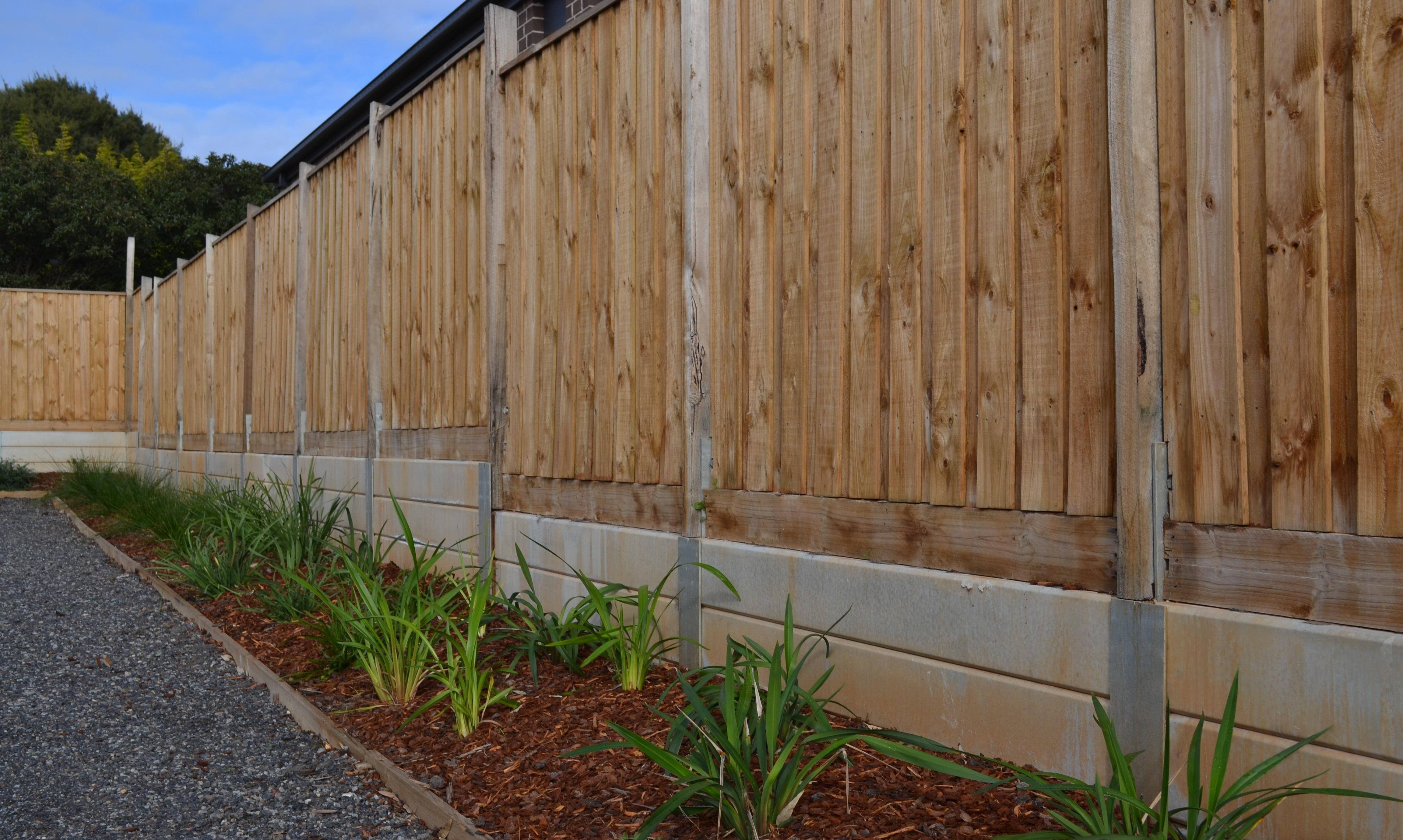 retaining wall, galvanised post, steel post prices, steel posts Melbourne, retaining wall ideas, retaining walls, star picket melbourne region, concrete sleepers home garden building materials